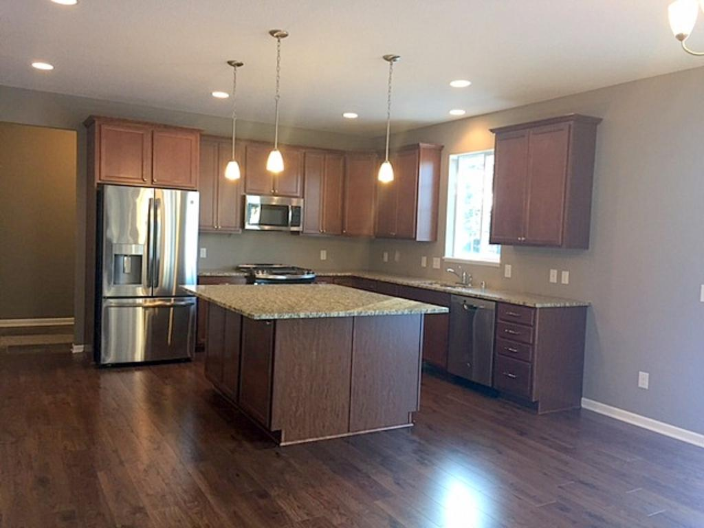 6483 102nd avenue n brooklyn park mn 55445 mls for Kitchen cabinets 2nd ave brooklyn