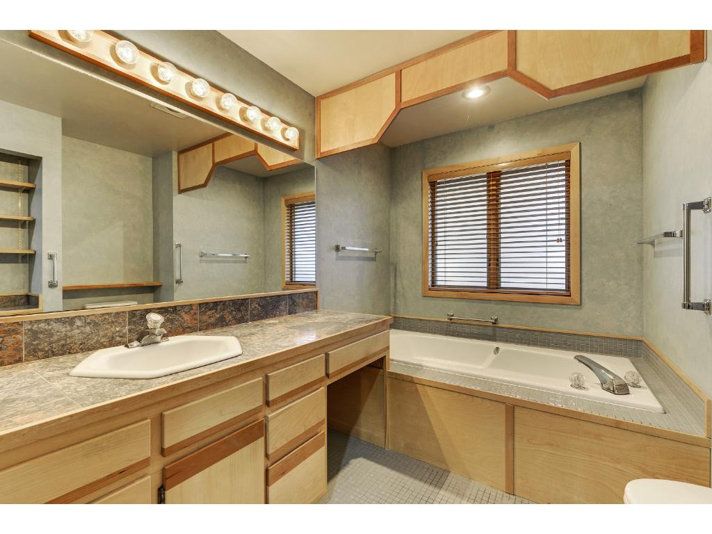 Private Master Full Bathroom (3 Baths total)