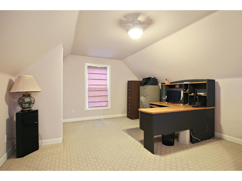 Bonus room *** access from master bedroom. Use as an office/reading/exercise space.