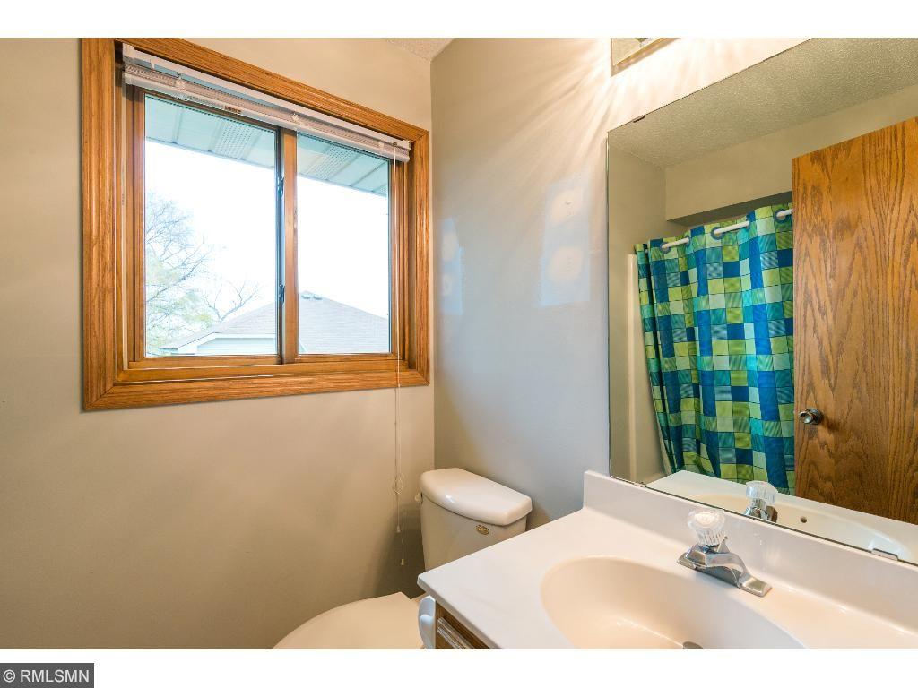 Upper level bathroom 2