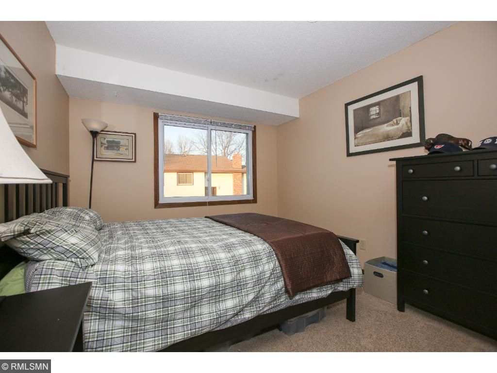 Good sized master bedroom
