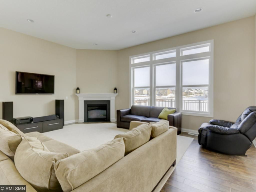 Open and bright livingroom