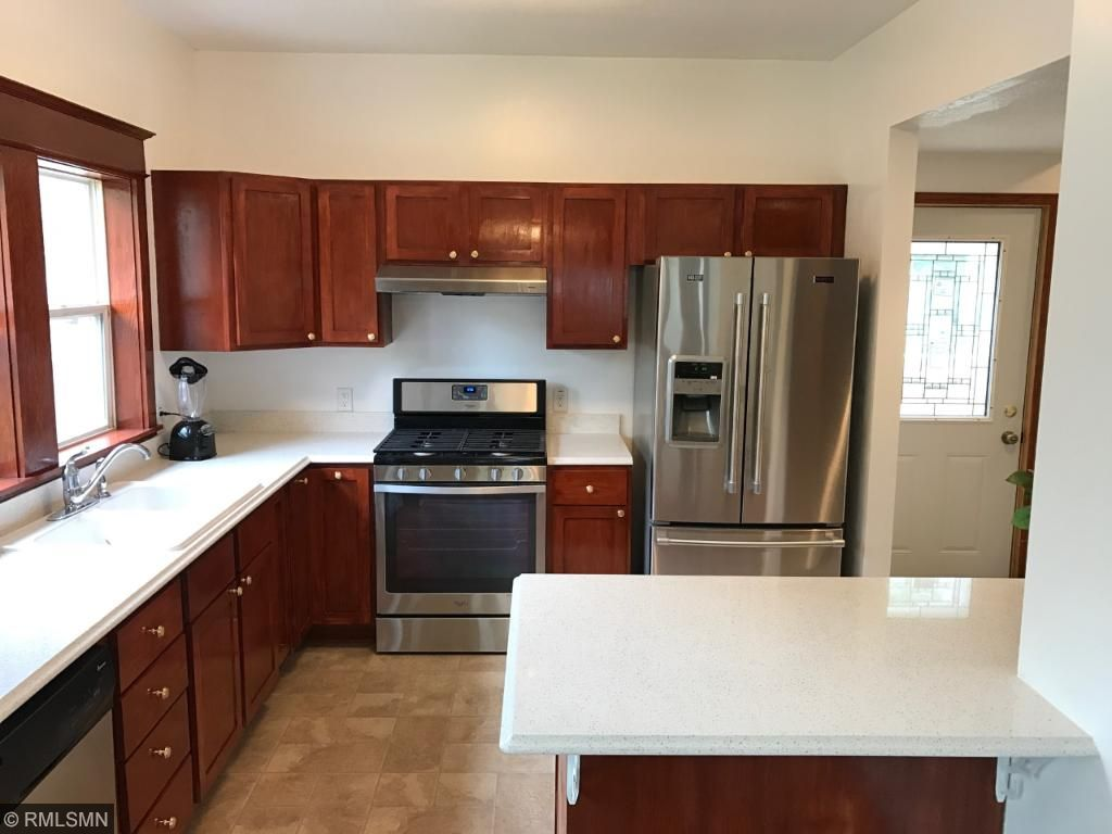 All new kitchen with high-end Stainless Steel appliances and quartz countertops.