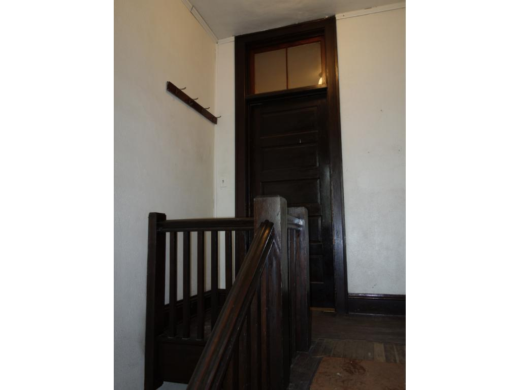 Separate entrance & stairway to the 2nd floor living qtrs.