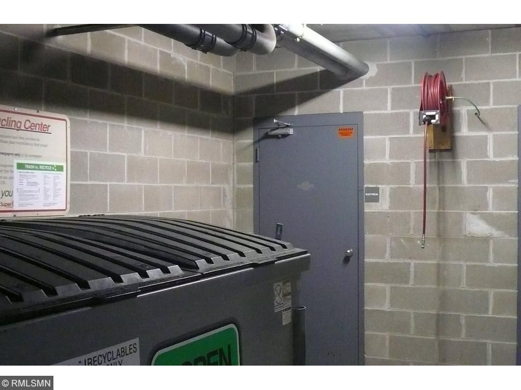 Recycling in the garage area, air pump for bicyles, cars