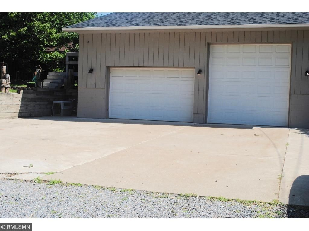 Large Garage, lean too in back