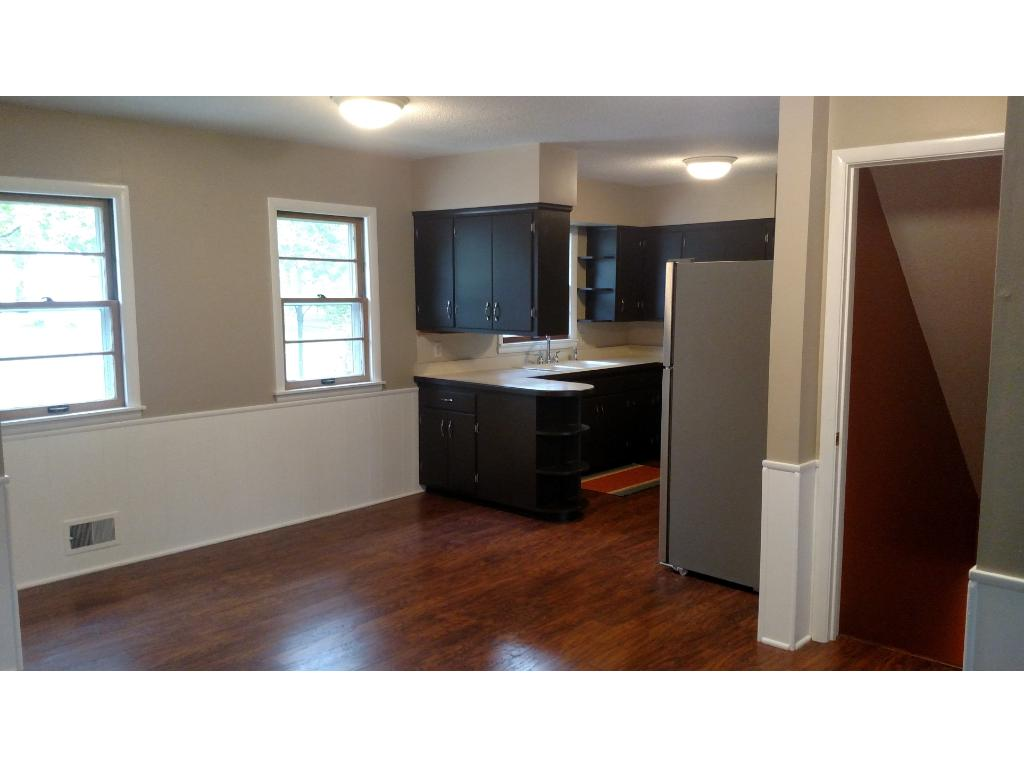 Large kitchen/dining area perfect for entertaining