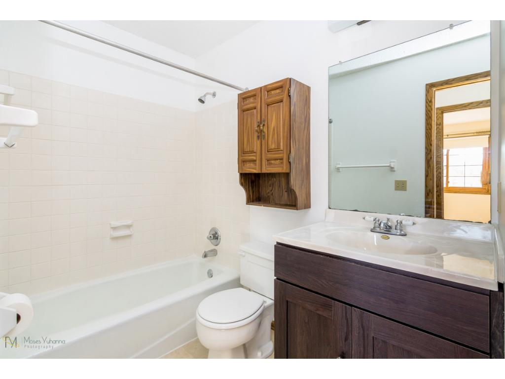 7361- Upper level full bath