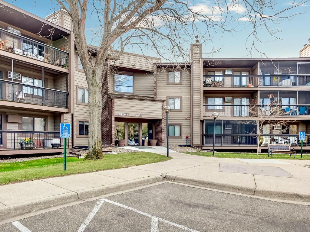 Desirable Countryside West Condos! Best location in West Bloomington! Across the street from Hyland Park and miles of walking/biking/running trails and all the cross country skiing you can imagine!