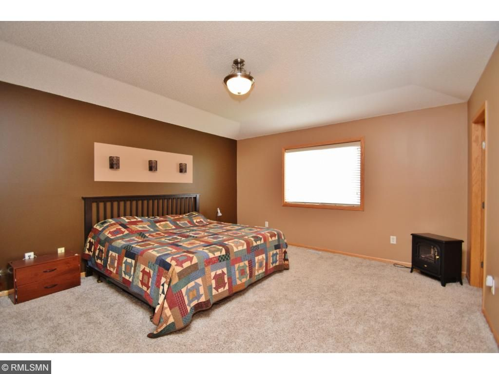 1st floor office/den or bedroom, newer flooring