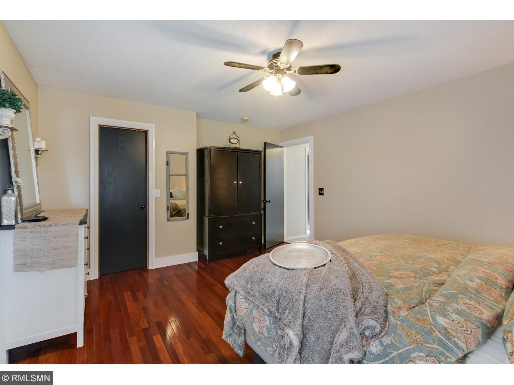 6x6 Walk-In Closet