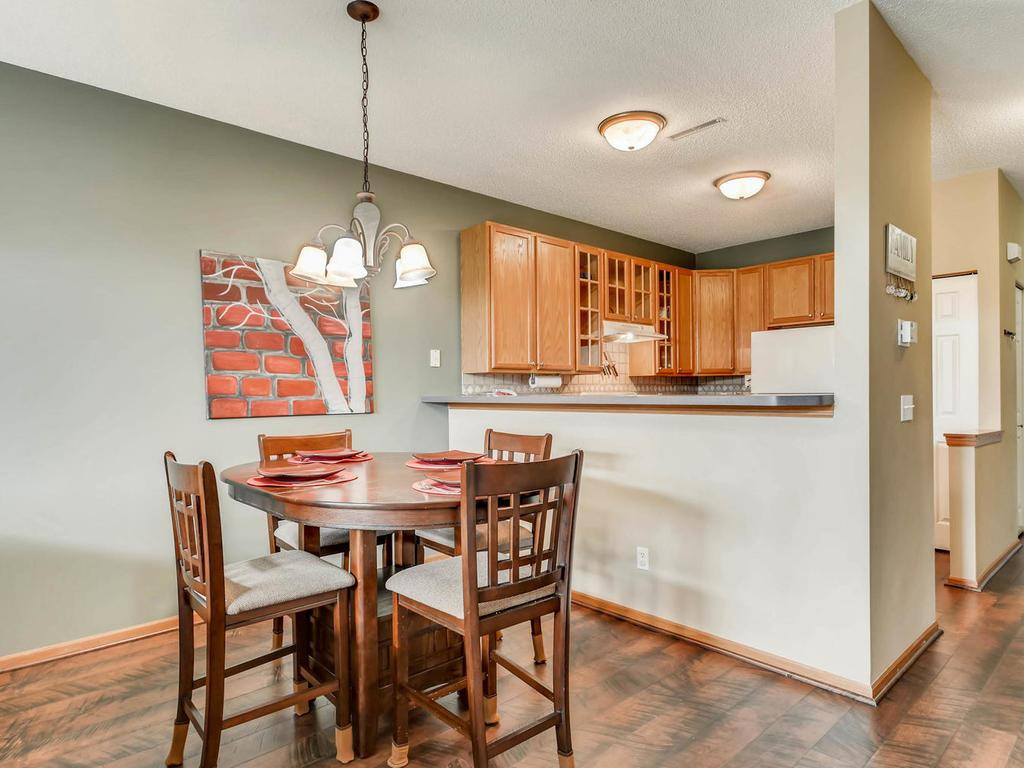 Cobblestone Kitchen Floor 776 Cobblestone Way Shakopee Mn 55379 Mls 4821376 Edina Realty