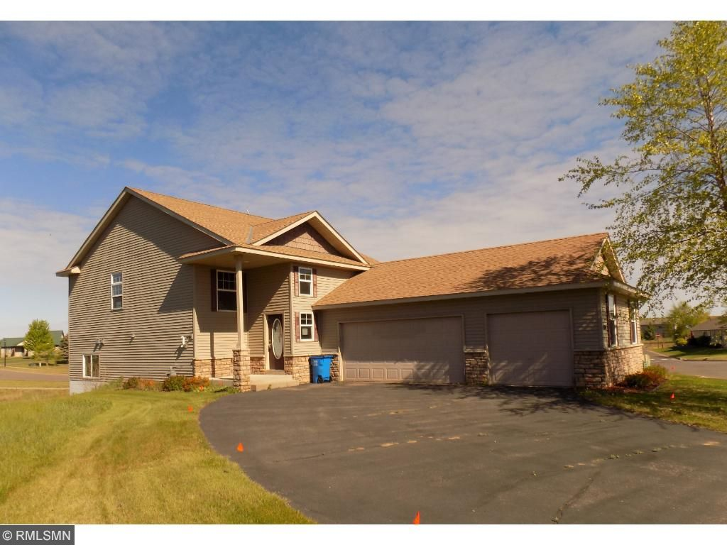 800 winsome way nw isanti mn 55040 mls 4724344