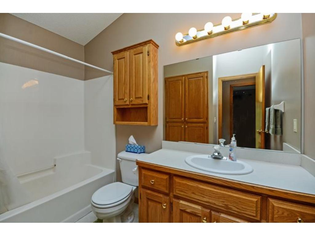 Full upper level bathroom conveniently located near the upper level bedrooms.