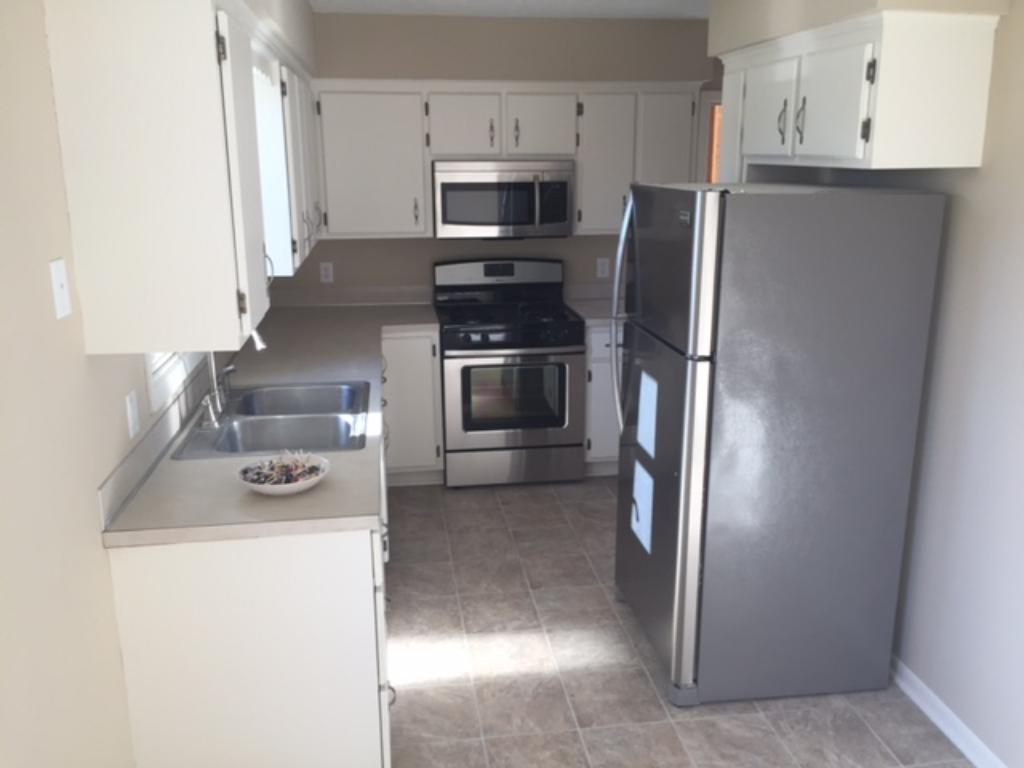 Stainless steel appliances in the kitchen!
