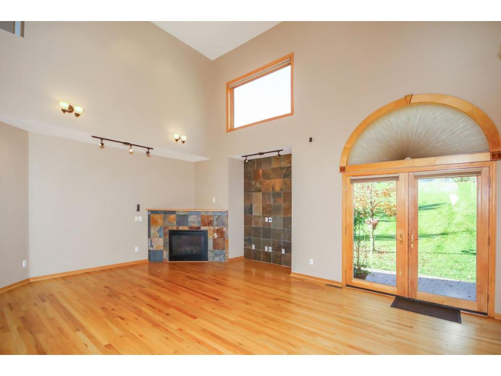 Vaulted Living Rm