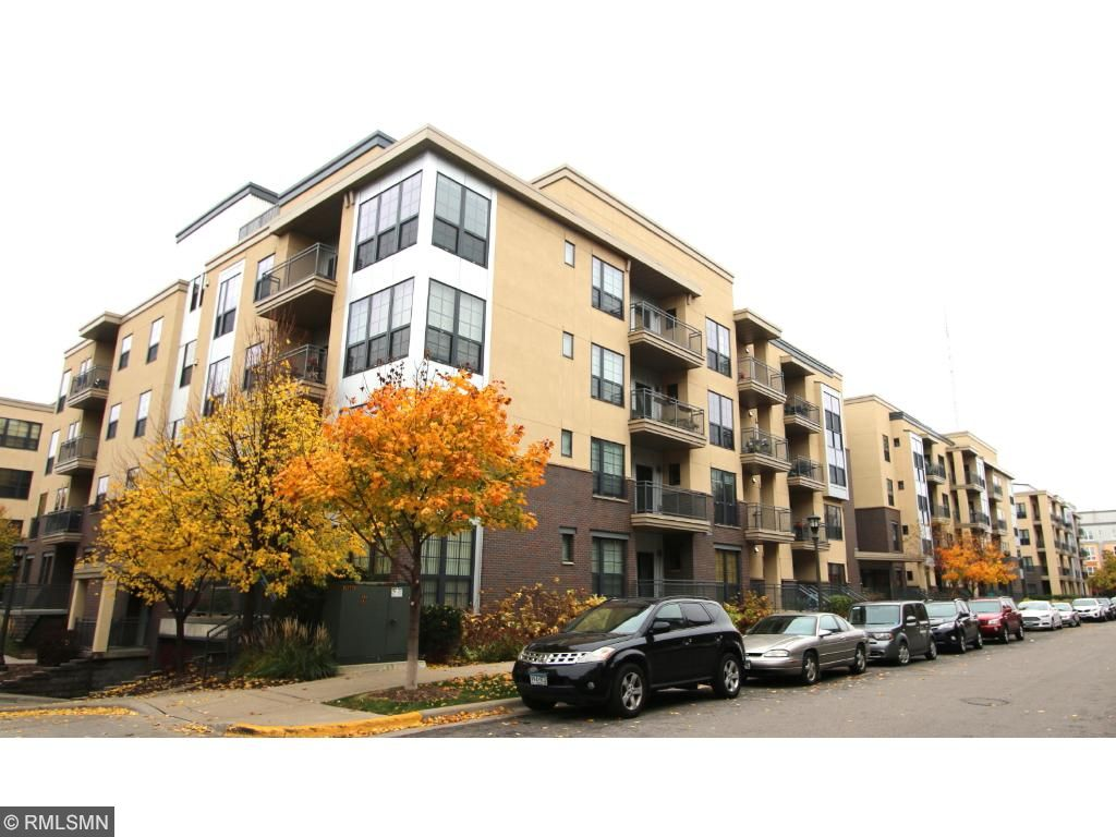 Welcome to 825 Berry St #106!  Fantastic urban location, convenient to Light Rail, shopping, restaurants, shopping and easy access to both downtowns.