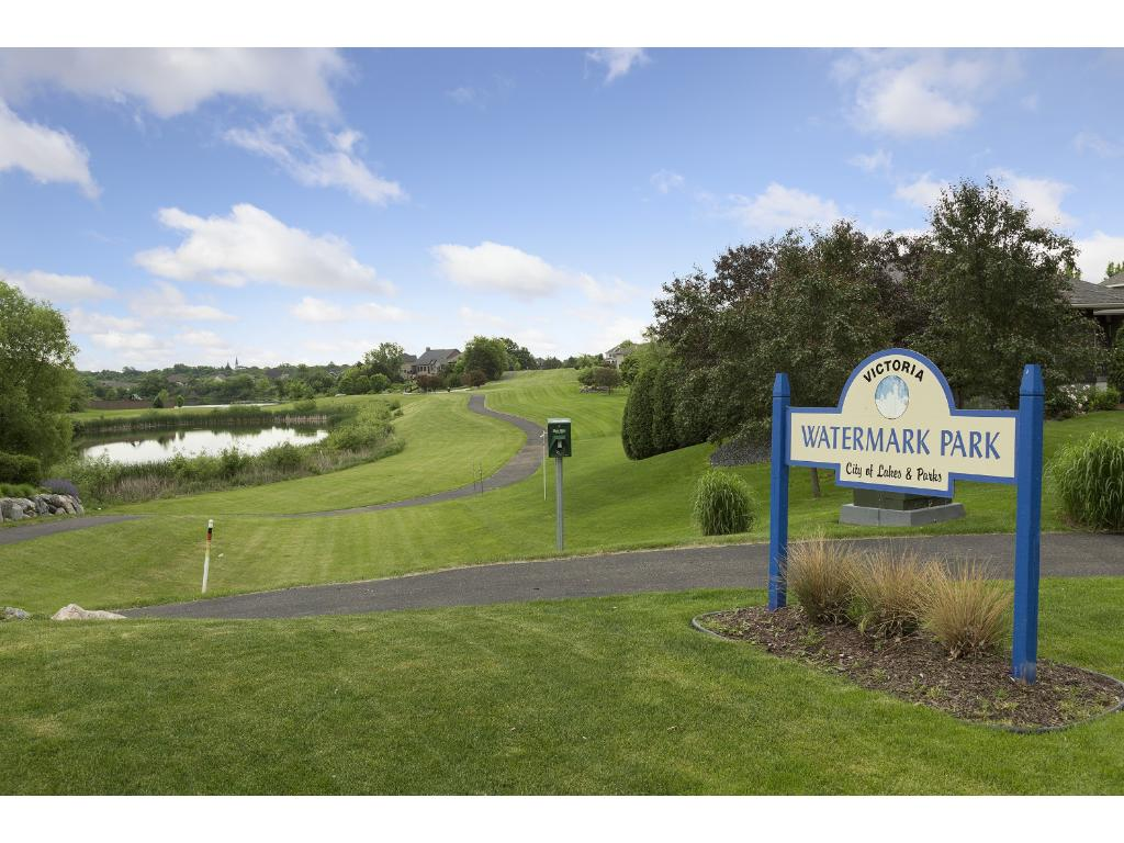 Endless trails and community parks just steps outside your door! This fantastic home is minutes from Highway 212, Deer Run Golf Club, Victoria Recreation Center, shopping, restaurants and award winning schools.