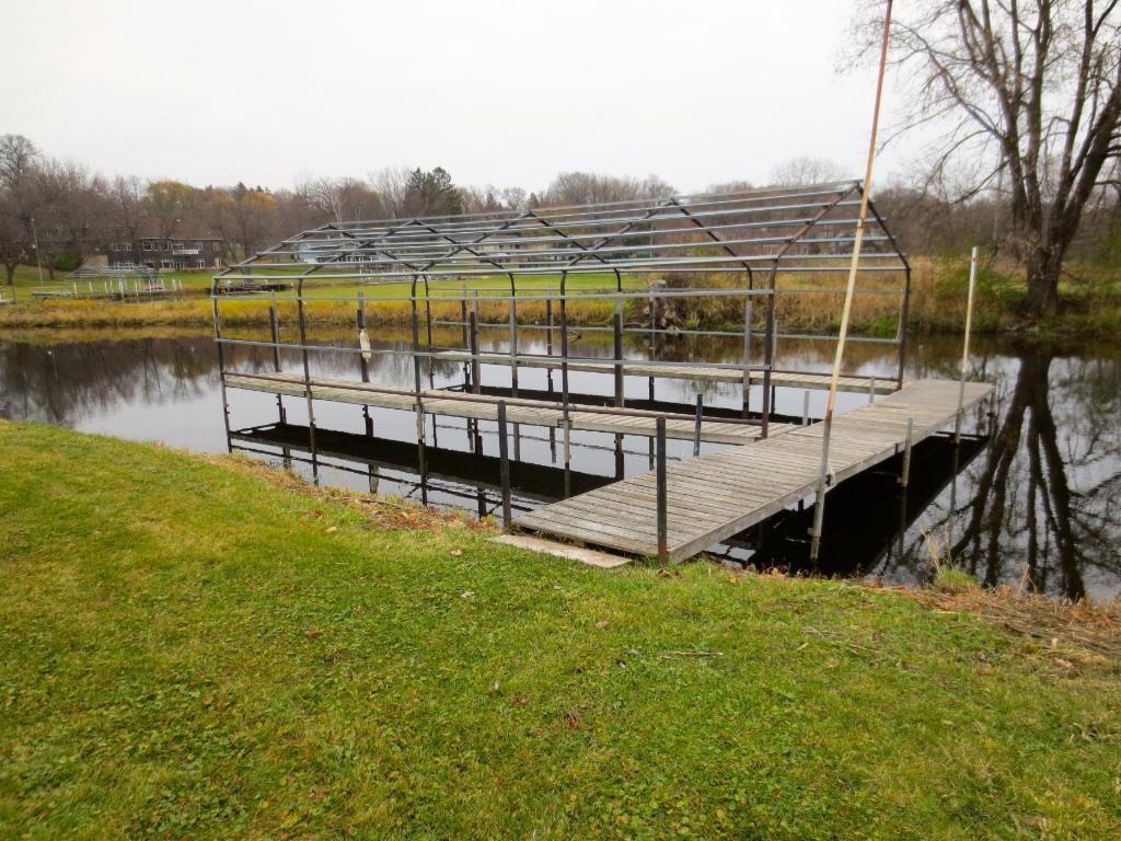 40 foot dock!