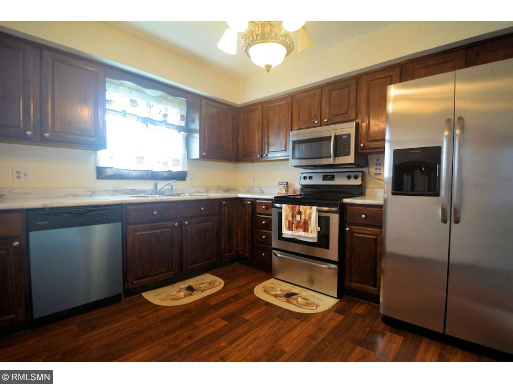 Updated kitchen with brand new appliances!