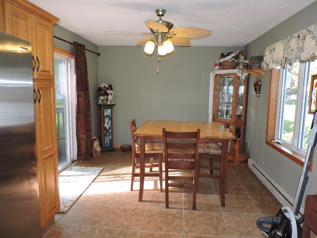 Large dining room w/sliding glass doors to the deck.