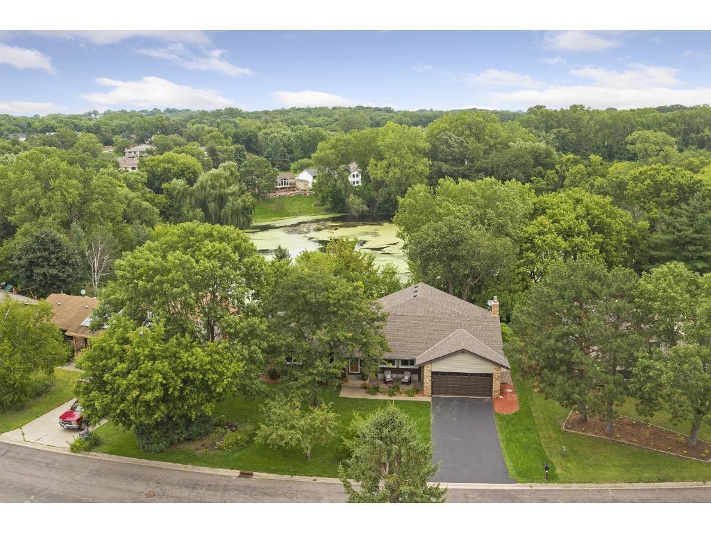 House overlooks pond