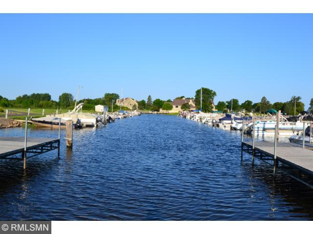Enjoy Mille Lacs Lake boating, sailing and fishing at your doorstep!