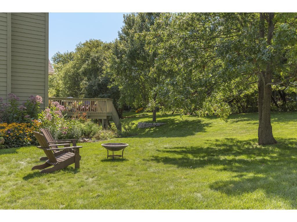 Spacious backyard, great for entertaining