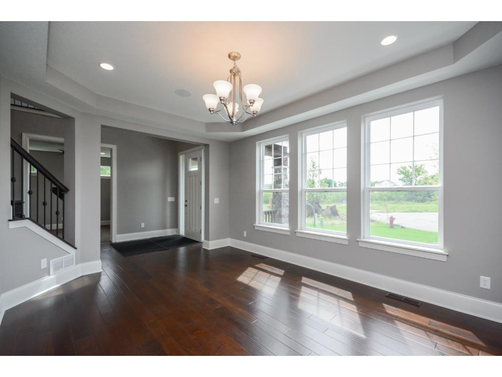 Large Dining Room-perfect for hosting the Holidays