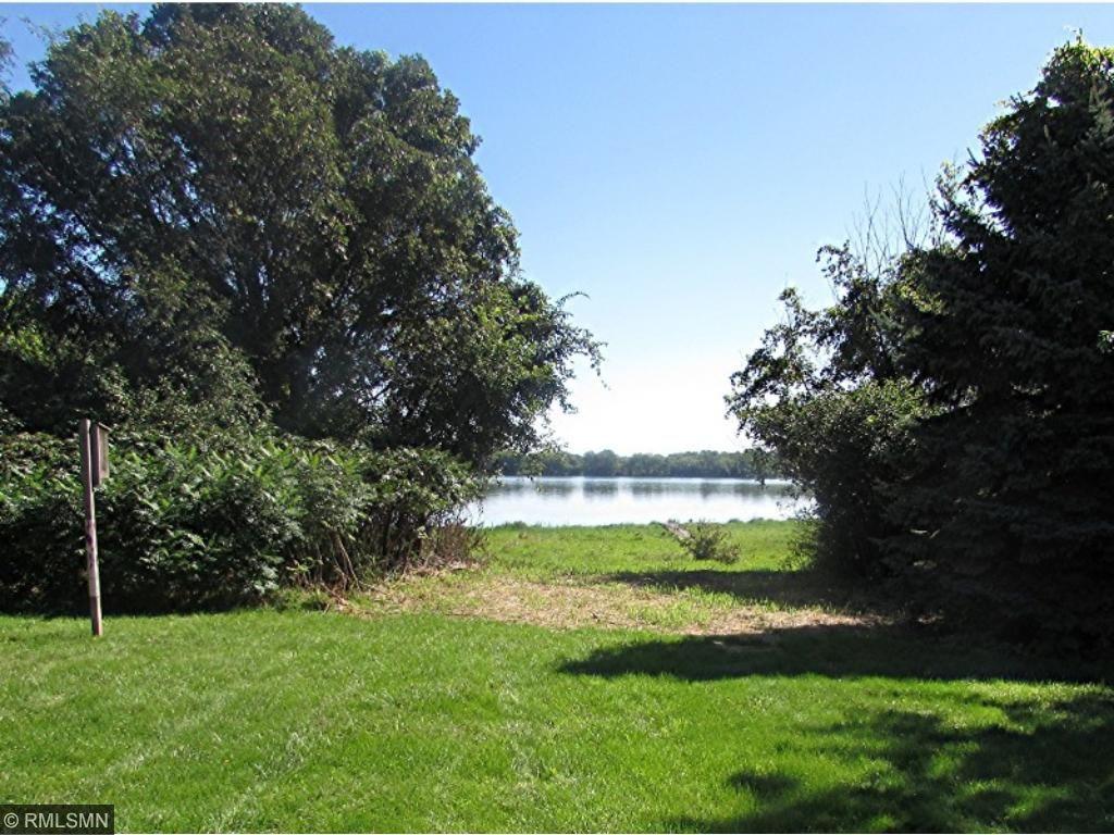 Lake Access from back yard