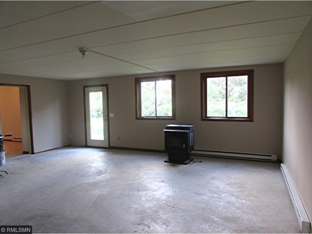 Bonus room under garage, walk-out to back yard