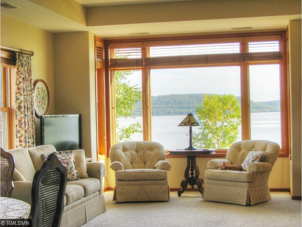 Incredible views of Lake Pepin & the bluffs of Wisconsin!