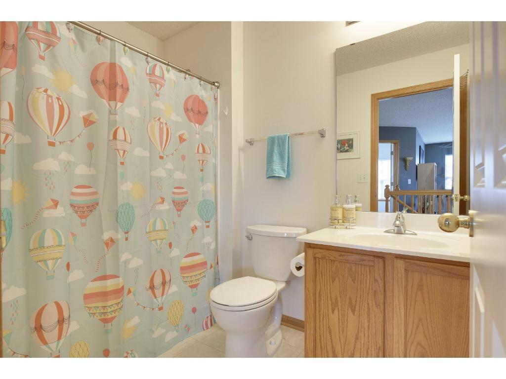 2nd upper level full bathroom