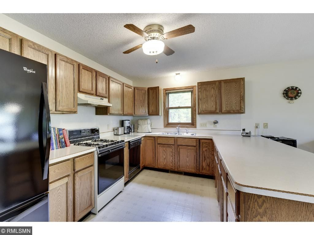 Silver Creek Kitchen Cabinets 9145 Arnold Avenue Nw Silver Creek Twp Mn 55362 Mls 4834853