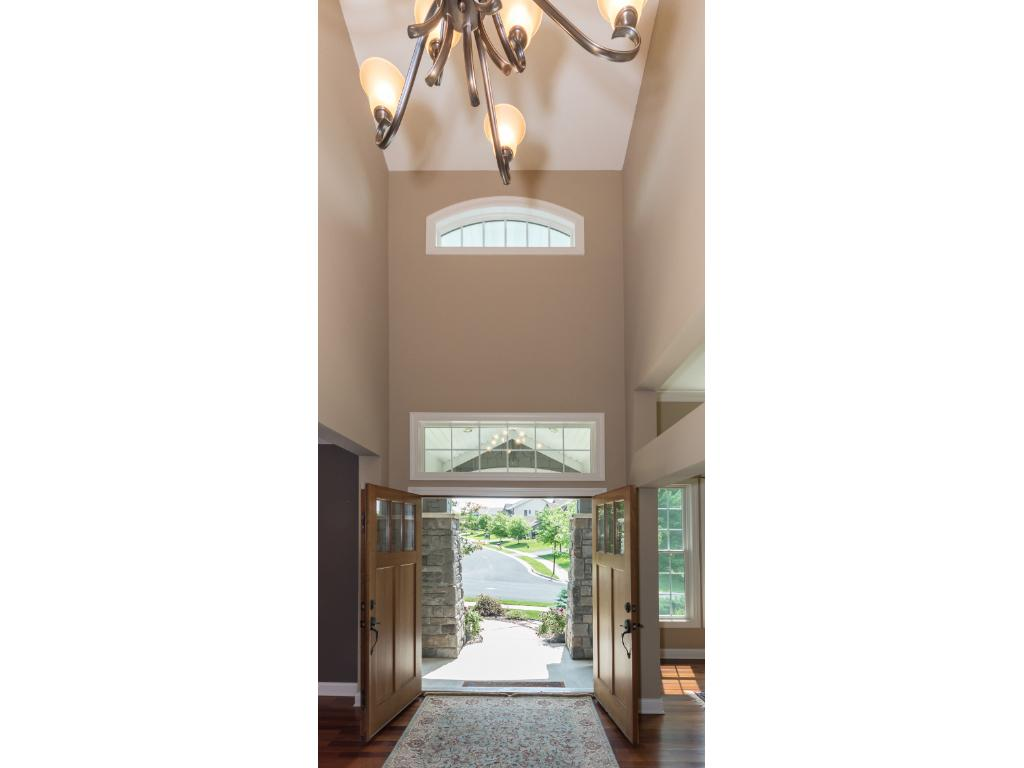 Inviting 2-Story foyer.