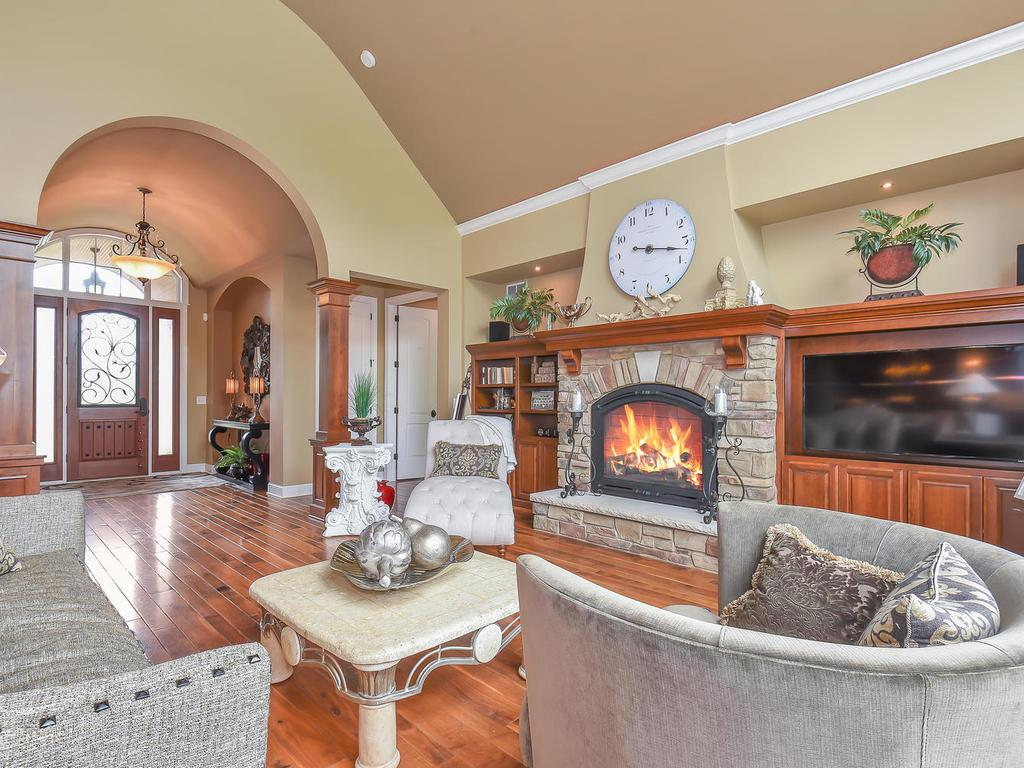 9215 Rich Valley Boulevard, Inver Grove Heights, MN - USA (photo 1)