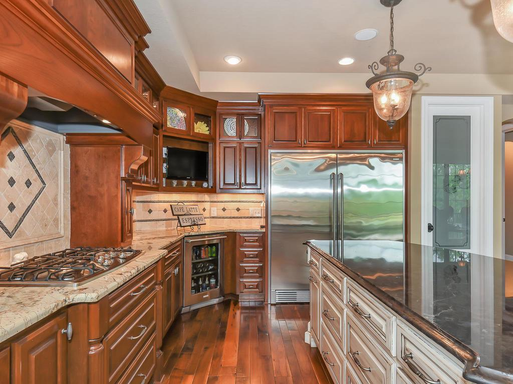9215 Rich Valley Boulevard, Inver Grove Heights, MN - USA (photo 5)