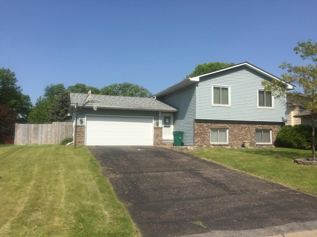 9325 Vincent Avenue N Brooklyn Park MN 55444
