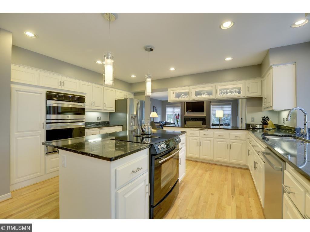 Wonderful gourmet kitchen with new appliances