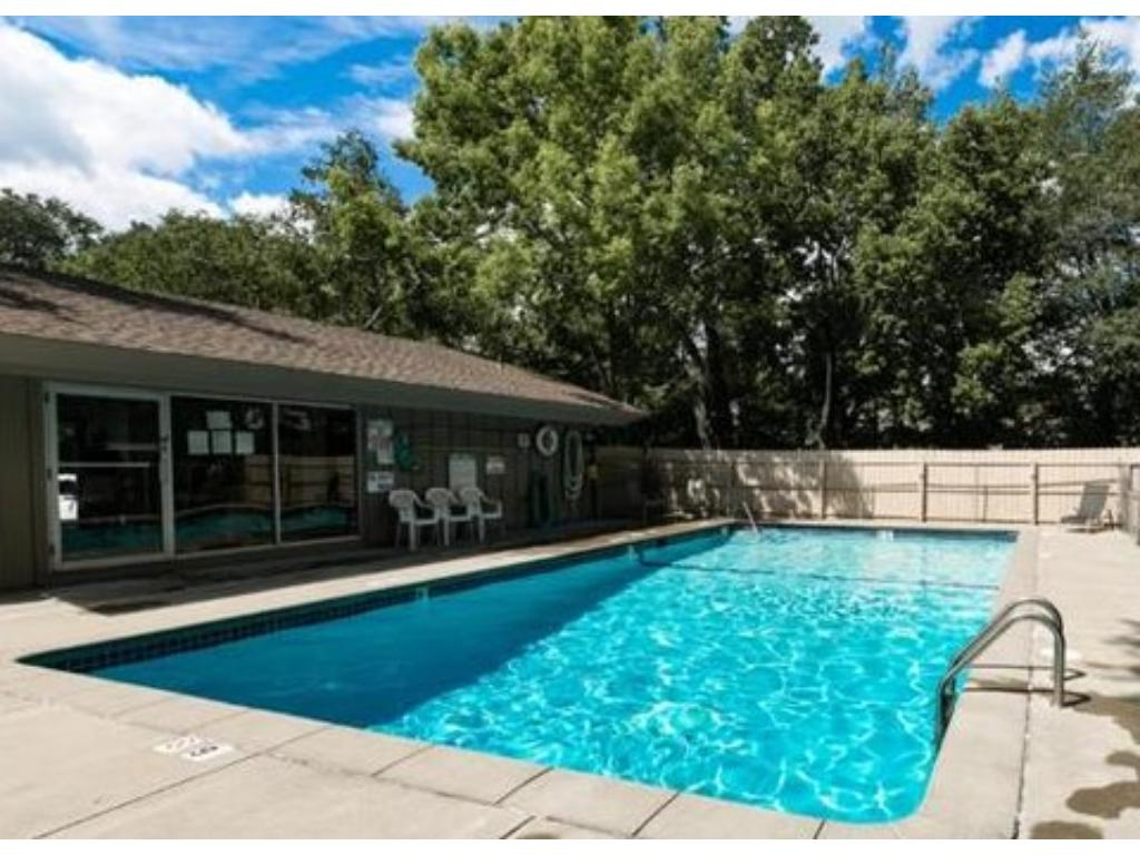 Pool and clubhouse in this great townhome complex!