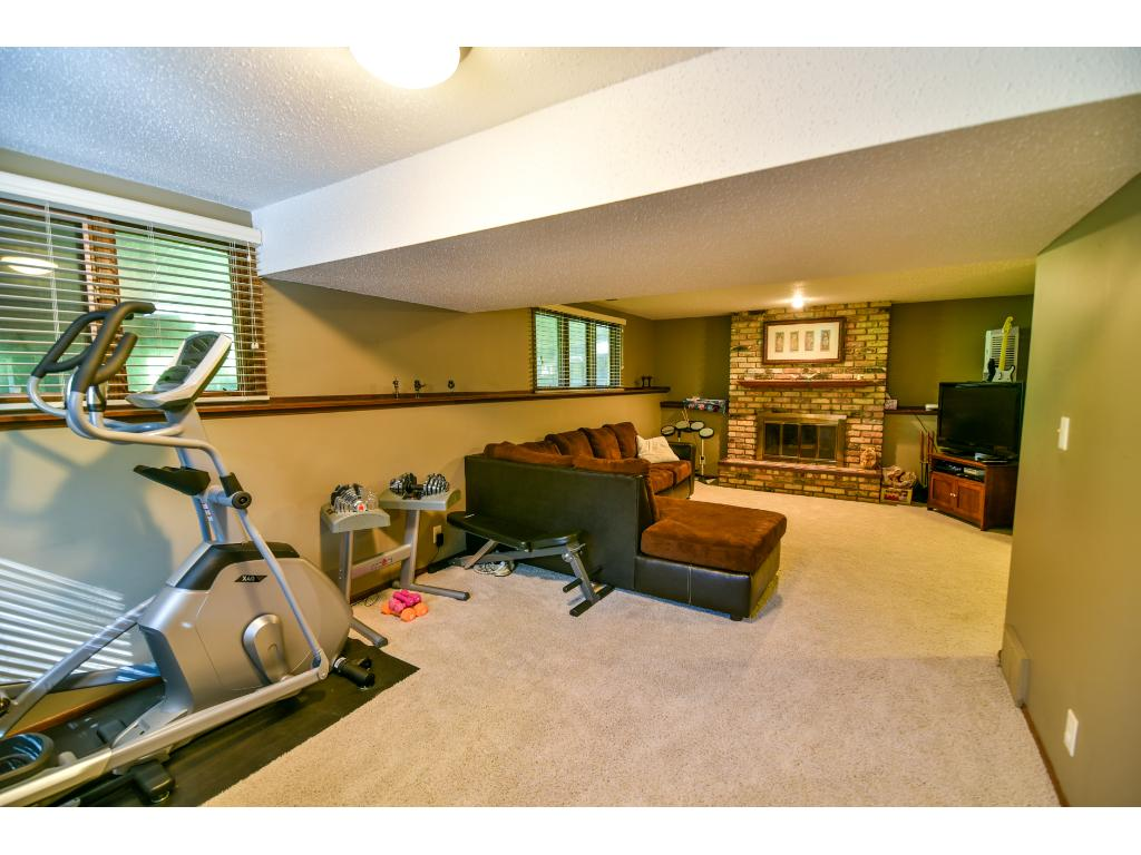 edgewood chat rooms 509 edgewood avenue: lansdale: lansdale, pa the fully finished basement offers a warm and relaxing family room that could be used for entertaining friends.