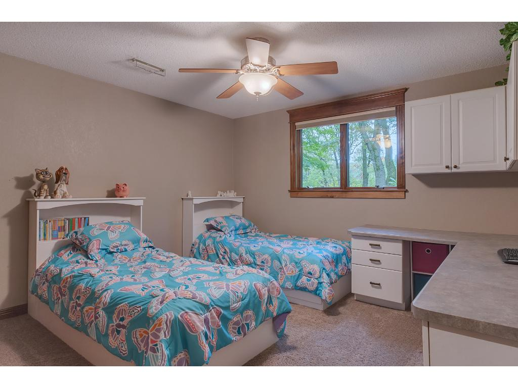3rd bedroom, large enough to share!