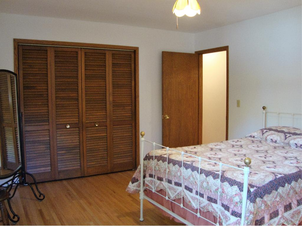 Master bedroom, again with an over sized closet.