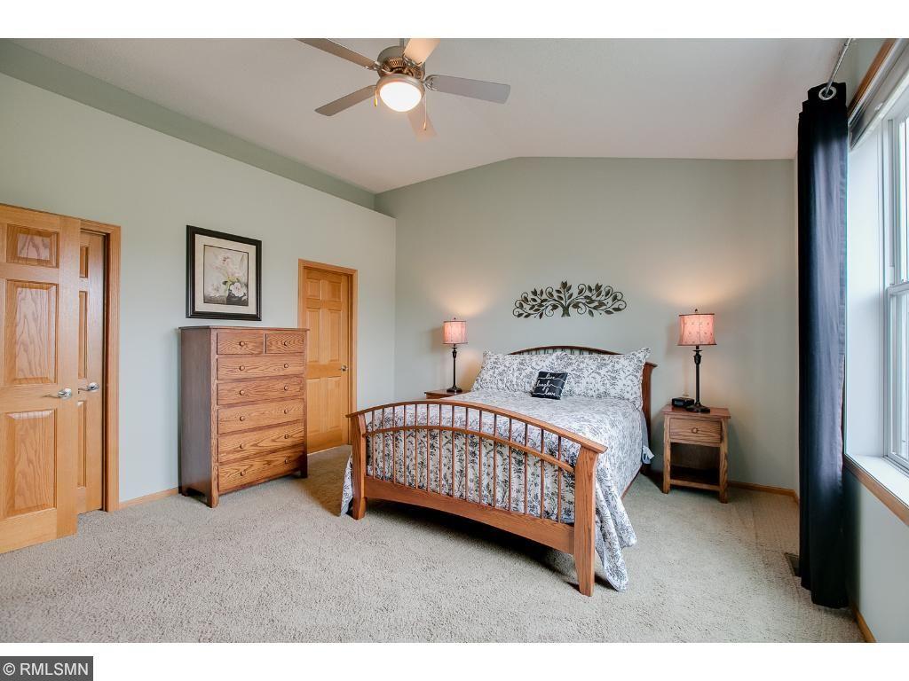 Lane Furniture Bedroom 9912 Alvarado Lane N 4701 Maple Grove Mn 55311 Mls 4821216