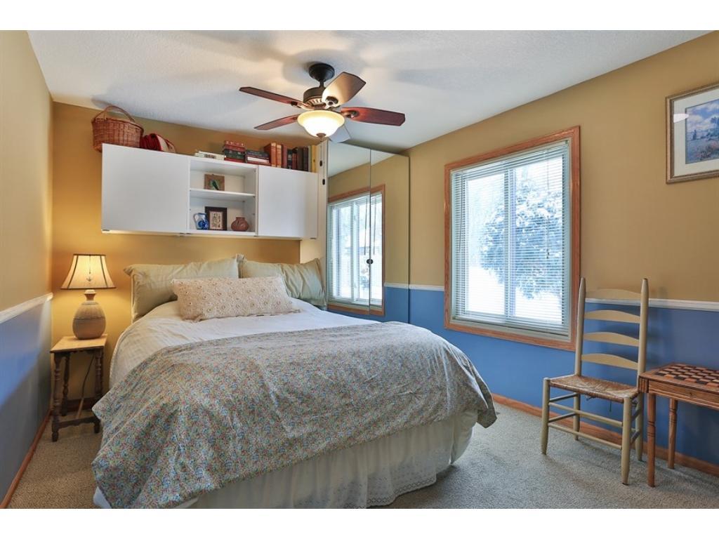 Lane Furniture Bedroom 994 Zanzibar Lane N Plymouth Mn 55447 Mls 4801942 Edina Realty