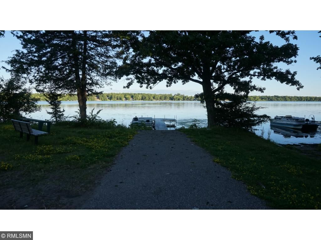 Lots on North Cedar Court have shared lake access!
