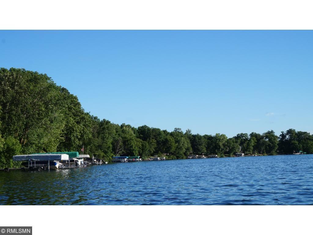 Beautiful Cedar Lake in Scott County!