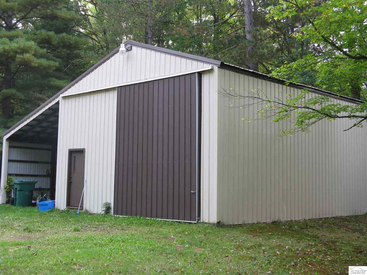 This pole building offers lots of interior storage and more space in the lean too.