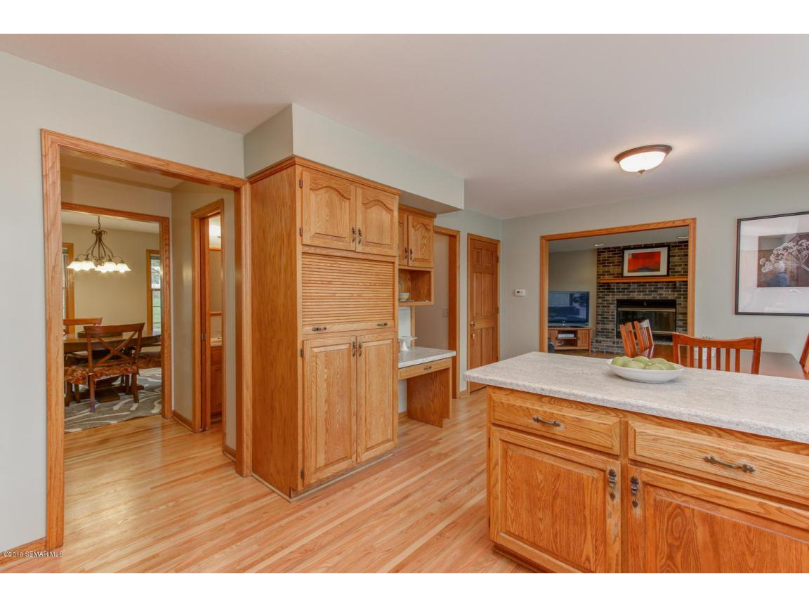 1008 21st Ave SW Rochester MN-large-010-