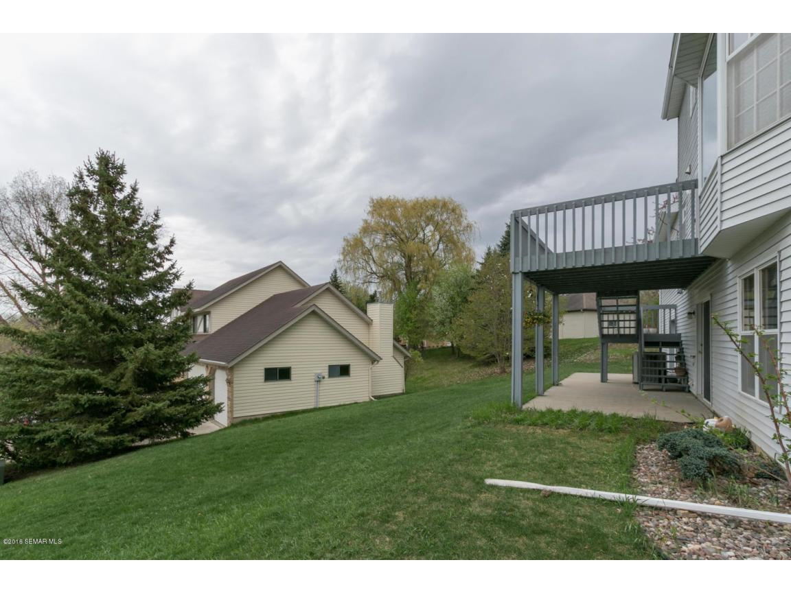 1008 21st Ave SW Rochester MN-large-027-